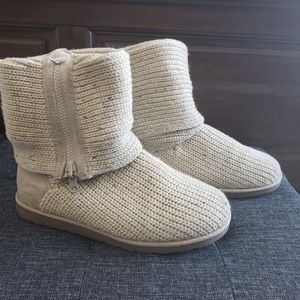 Knit fold-over boots